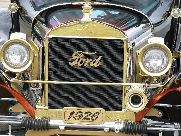 picture of early Ford grill