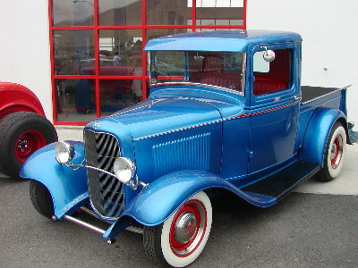 picture of old Ford pickup