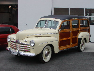 picture of old Ford woody