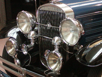 picture of old car grill